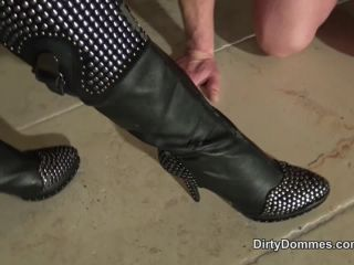 Female Domination – Dirty Dommes – Destroyed boots and balls part 1 – Miss Nomi