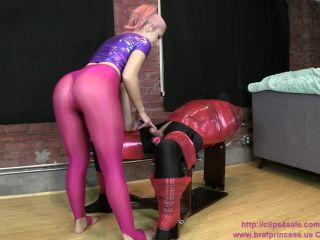 Porn online Alexa – Brat Princess 2 – Handjob with Balls tied in Rope Leash