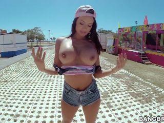 Franceska Jaimes attends the Carnival!