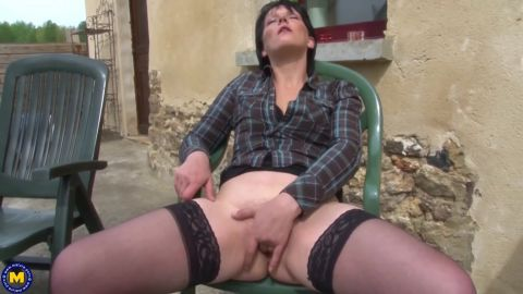 Lucie Luke - Housewife Lucie Luke getting her ass fucked in the garden (1060p)