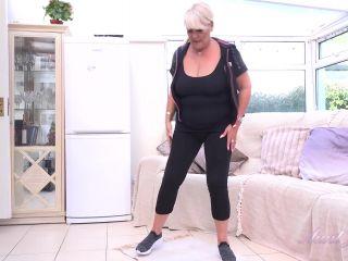 AuntJudies presents Christina