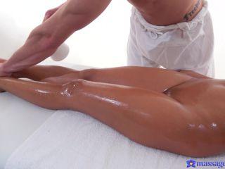 Porn tube Suzie Q (Tiny Thai beauty covered in cum / 03.03.2018)