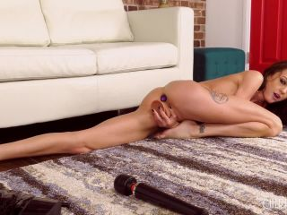 Kendra Cole Loves Squirting LIVE!