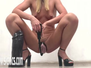 Hot wife destroys her cunt