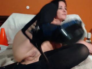 Amateur mature with saggy tits self bottle and dildo riding