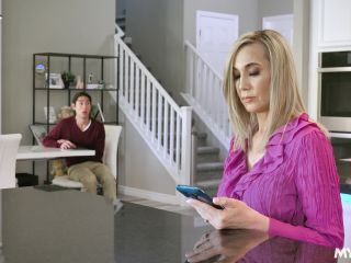 Mom Drips – Lilly James
