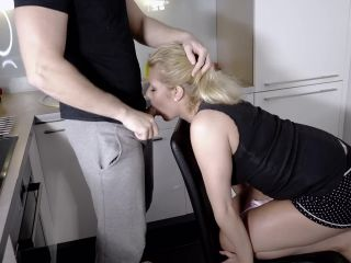 220 Ass to Mouth, Enema, Drinking, to Ass and Deepthroat
