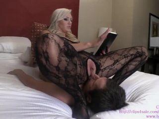 Bratprincess – Cameron – Relaxing Ass Worship Turns into Face Fuck and Grinding (1080 HD)