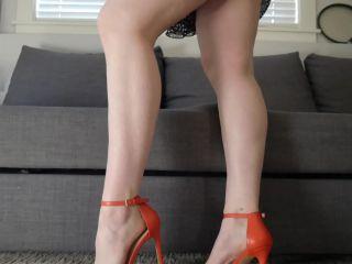 Ashley Alban – Sundress Ass Feet Tease