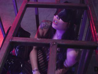 Deviant Hardcore – Gina Valentina
