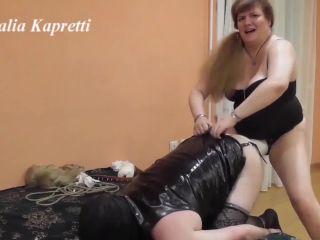 Hard energetic fuck ass and morning shitting [FullHD 1080P] - Screenshot 1