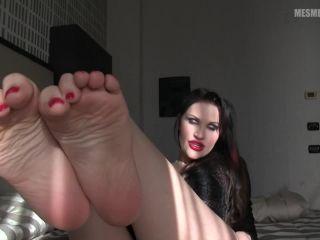 femdom self facial Soles – Lady Mesmeratrix – FOOTNOTIZED, toes fetish on fetish porn