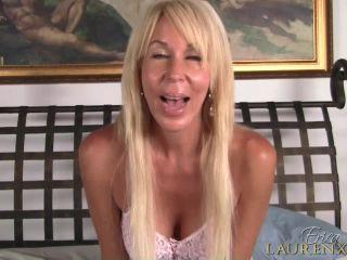 Erica Lauren in Sexy Handjob