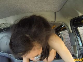 Taxi driver gets lucky twice with super hot babe