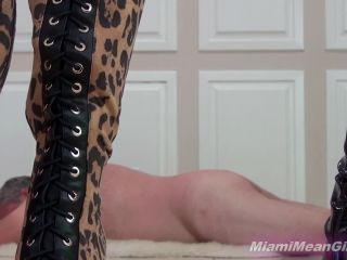 Trampling – THE MEAN GIRLS – Close Up Trample Cam – Princess Adriana and Princess Kendall