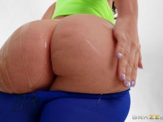 – BigWetButts presents LaSirena69 – Working Her Ass Off