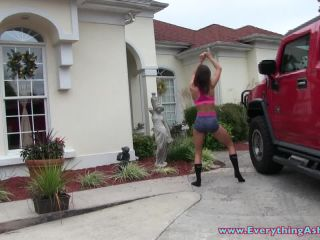 [Manyvids] Ashley Sinclair - Front Yard Strip Tease