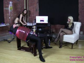 Porn online Brat Princess 2 – Lola and Noe – Old Cow has one Last Good Day on the Bench (Part 2 of 3) femdom