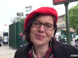 Jacquieetmicheltv presents Béatrice, 40ans, prof d'arts plastiques à Toulouse ! –
