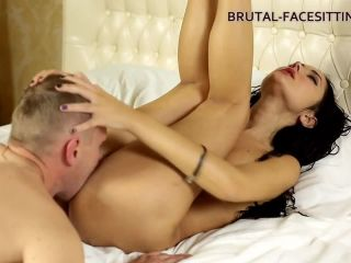 [Brutal-Facesitting] Angie Moon - New Licker And Mistress