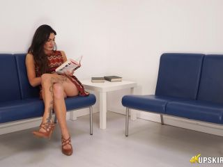UpSkirt Jerk – Laura – Panty Humiliation