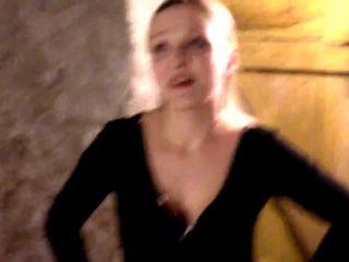 Lady Krasaviza – Ekeltraining Extrem – Frisch vom Pferd in dein Maul