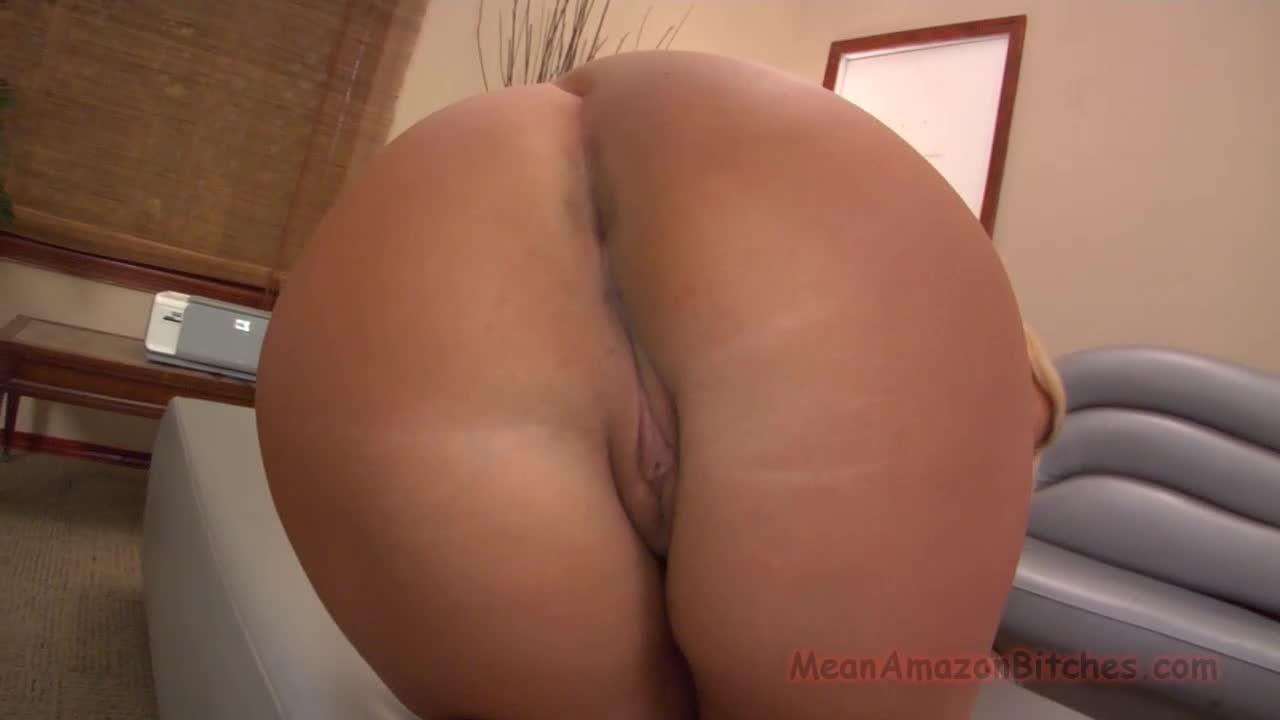Julie Cash Feet