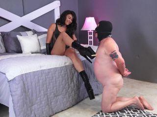 GoddessFootDomination – Boot Cleaning Discipline – Goddess Adrienne B