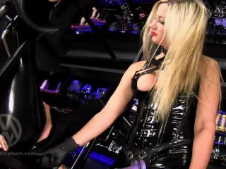 Sissy Sluts – Mistress Nikki Whiplash – Pegging the Rubberslut WL1411