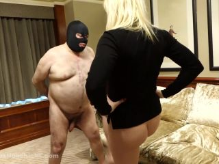 Ball Busting Chicks – Axa – Barefoot is not hard enough