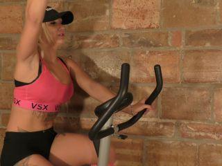 magalis Sweaty Workout Feet - Magali (avc, , 277.59 Mb)