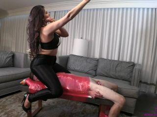 Brat Princess - Jasmine Mendez - Amazonian Ass - mind fuck on femdom porn