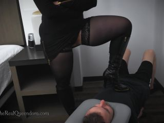 TheRealQueendom – The Executrix Files – Andrea's Smother Harness 4K