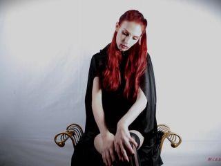 MissKittyMoon - Vampire Fucking Her Pussy - #Halloween
