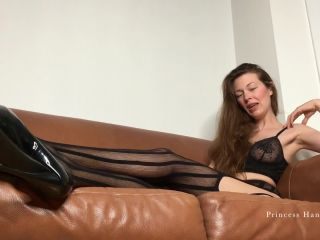 Porn online Goddess Hanna - Down on your knees and lick femdom