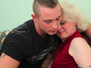 Guy_fuck_blonde_russian_mom