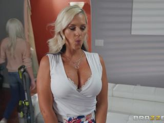Alena Croft - Mommy's Busy