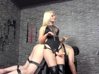 Dildo Fucking – House of Sinn – A caning and a fuck for the whore – Miss Sarah