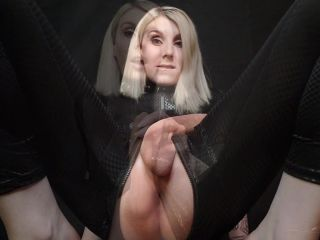 Miss Vexx – Goddess drowning in P and Pleasure