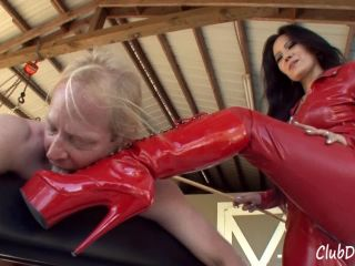 ClubDom – Mistress Caning Helpless Slave
