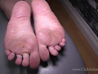 Armpits – Club Stiletto FemDom – Lick My Body My Boyfriend's Coming Over – Mistress Kandy