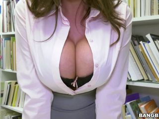 Ariella Ferrera – Ariella Fucking Young Dick (Full HD)