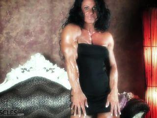 The amazing muscle babe Debbie Bramwell