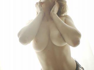 Gorgeous Nude Nygma The natural boobs fantasy