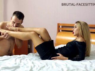 Brutal-Facesitting – Jessica