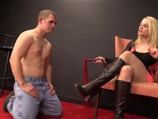 2614 Brutal Whipping And Face Slapping By Mistress Jade