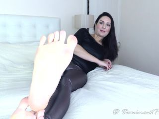 Porn online Legs – Dominant Princess – Guided Foot Worship