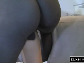 Elisa Dreams - Threesome With 2 Black Bulls In My Hotel's Room