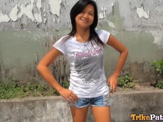 eous young asian spinner earns a hot to the chin for looking so hot