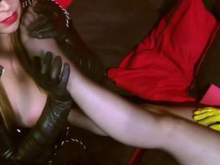 Anastasia Pierce-Fetish Super-Heros - Anastasia Pierce, Ludella Hahn - THE PURR-FECT CRIME - superheroines on bdsm porn